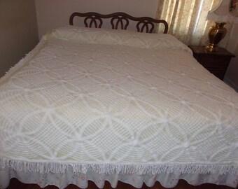 Vintage Chenille Bedspread - Creamy yellow with white chenille design