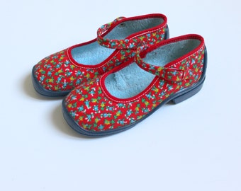 French Vintage 60/70's / red canvas shoes / Palladium / floral print / new old stock / size 26 ( EU ) / 9,5 ( US ) / 8,5 ( UK )