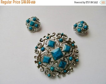 ON SALE Vintage 2pc Faux Turquoise Pin and Earring Set Item K # 2092