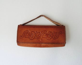 1970s Mexican tooled leather hand bag purse.