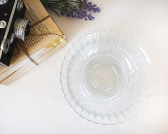 Small Crystal Glass Bowl / Vintage/ Centerpiece / Antique / Candy Dish / Wedding Decor / Gift for Mom / Scalloped / Feminine