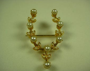 Vintage Gold Tone 22 Faux Pearl Brooch