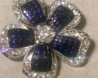 Stunning Silvertone Avon Flower Brooch/Pin  with Crystal Clear Rhinestones and Blue /Sapphire Lucite.