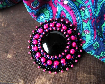 Bead embroidery brooch Beadwork brooch Black Fuchsia Brooch Black Pink Brooch Black Onyx Brooch Bead embroidered jewelry MADE TO ORDER