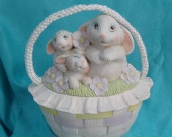 Ceramic Basket with Lid