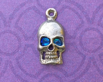 Handmade Skull Charm with Capri Blue Crystal Eyes, Lead Free Pewter, about 17mm x 9mm