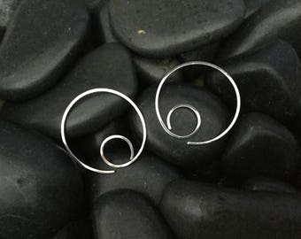 Minimalist Silver Hoops * Simple Argentium 1 Inch Hoop Earrings * Sleeper Catchless 24 our Wear * Gift for Her * MetalRocks