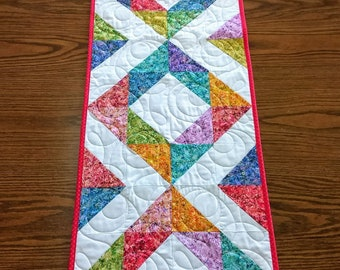 Quilted table runner, Quilted runner, Mother's Day gift, Table topper, Dining room decor, Spring decoration, Dresser scarf