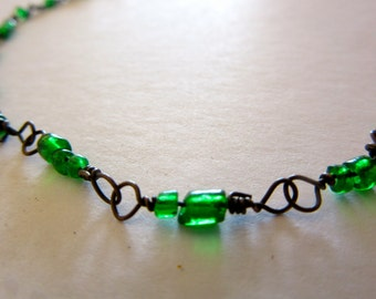 Green Bead Necklace - Twisted Wire - Hippie Necklace - Hand Made - Long Necklace