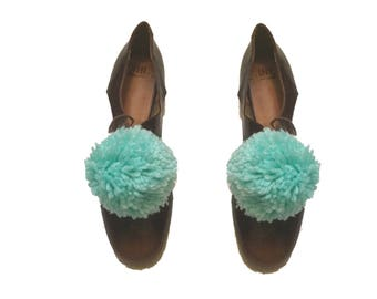 New! Turquoise Pom Pom shoe clips, Pom Pom shoes,shoes bling, shoe accessories