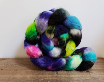 Superwash Bfl- bluefaced leicester- combed- wool top- roving- 4oz- Hand Painted-Hand Dyed- What's in Your Cauldron