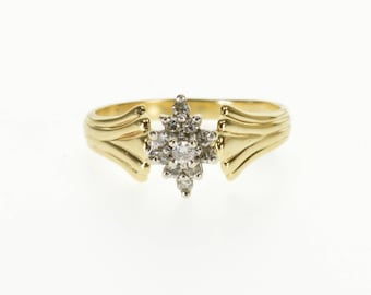 10k Pointed Diamond Encrusted Cluster Statement Ring Gold