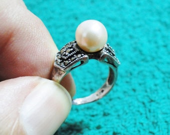 Sterling Silver & Faux Pearl Ring - Marked 925 - Size 5 1/2 - Very Nice!