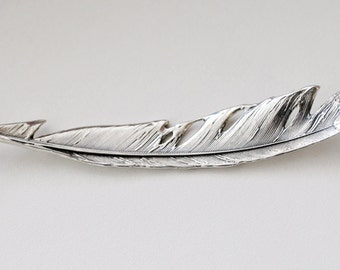 Manitou- silver feather necklace