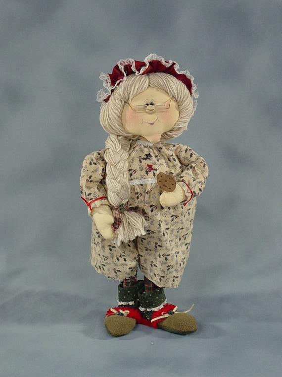 "Pattern: Clarice - 19"" Mrs Claus"