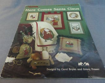 Counted Cross Stitch Patterns, Christmas Decor, Here Comes Santa Claus, Leisure Arts 604, 1988