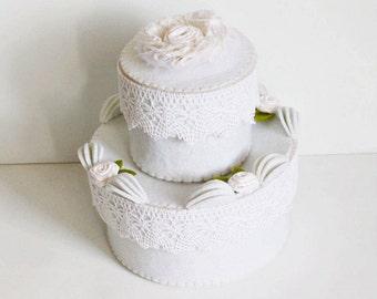 fake wedding cake, wedding card box, felt cake, felt box, romantic gift box, keepsake box, bridal party decor, housewarming gift, candy box