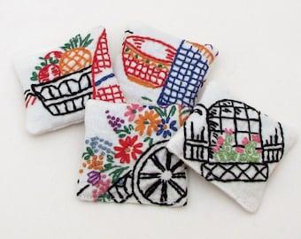 4 Dried Lavender Sachets - Vintage Novelty Embroidery - Southwestern - Flowers - Domesticity - Sachet Gift Set - Embroidered Sachets