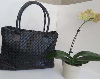 Black leather Tote, Valentine's day gift, Large tote, adjustable bag, every day use,  , women bag, elegant bag,  classic bag, leather