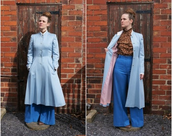 1970's Size S-M Mansfield ice blue tailored princess coat with lavender lining and removable white collar