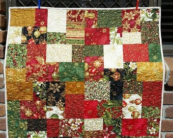 Christmas Quilt - Wall hanging - 100% Cotton - Patchwork