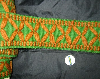 BRAID TAPESTRY AND WOOL