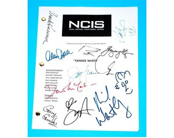 "NCIS Pilot TV Script ""Yankee White"" Signed Autographs Mark Harmon, Michael Weatherly, Pauley Perrette, David McCallum"