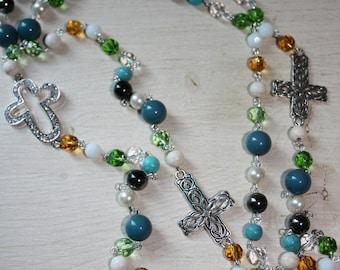 Long multicolor beads, cross