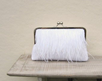 Ostrich feather clutch, white bridal clutch, great gatsby wedding, white bridesmaid clutch,  clutch with chain, feather purse, 1920s wedding