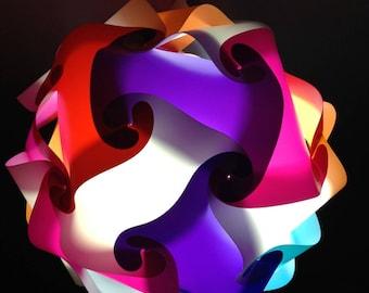 Multicolored sphere light / white lamp puzzle
