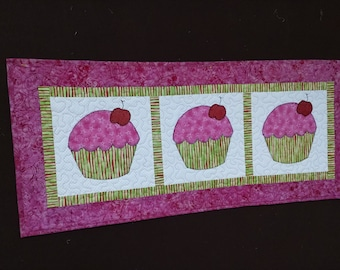 Cupcakes Table Runner or Wall Hanging