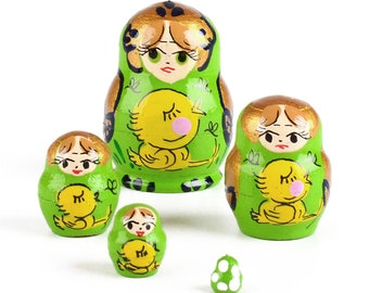 Miniature Matryoshka Nesting Doll 5 Pieces
