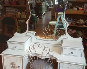 Circa 20's Antique White Princess Vanity Salvaged Shabby Chic Dressing Table Distressed Refinished WHAGN