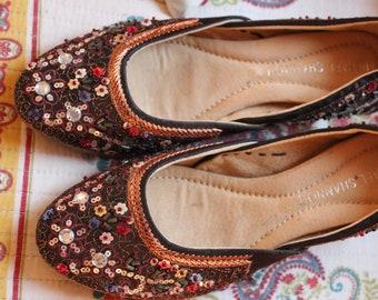 Embroidered Hi Heel Shoes