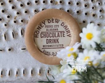 Vintage Honey Dew Dairy Chocolate Drink Milk Bottle Cap Magnet - Cow with Crown - Wax Cap - Advertising - Kitchen - Farmhouse Decor -