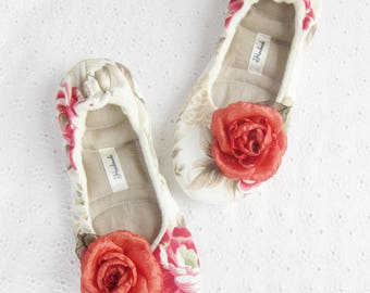 Cozy Slippers, Red roses ,Soft Slippers, Ballet flats, Cotton slippers, Healthy Home Shoes, Womens slippers, Gift women, Gift girl
