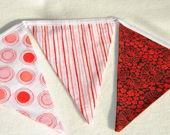 Shades of red bunting