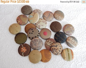 CLEARANCE - 23 olive green fabric covered button, size 60, 1.5 inch