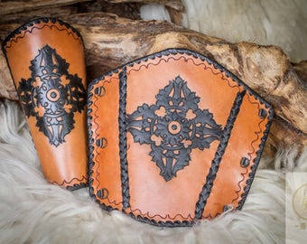 Bracers Rouge Dorje 1, 100% handmade real leather 1 pair Larp, Middle Ages, fantasy