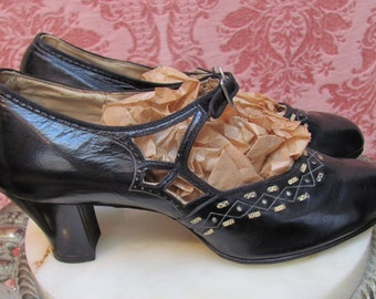 Vintage 1920's Deadstock FLAPPER MARY-JANE Kid Leather Shoes w/Deco Enamel Buckles