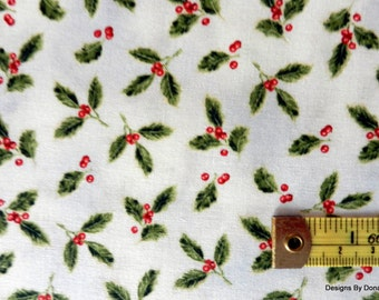"One Fat Quarter Cut Quilt Fabric, Christmas Holly & Berries, ""A Winter Song"" by Jane's Garden 4 Henry Glass, Sewing-Quilting-Craft Supplies"