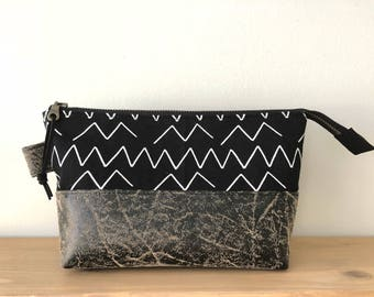 Open Wide Travel Zip Pouch - Black Organic Lines and Shapes