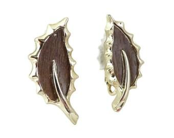 Wood Leaf Earrings, Sarah Coventry Clip ons, Vintage 1960s Jewelry, Brown & Goldtone Leaf Earrings, Gift ideas