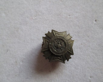 Antique Veternas of Foreign Wars button lapel pin