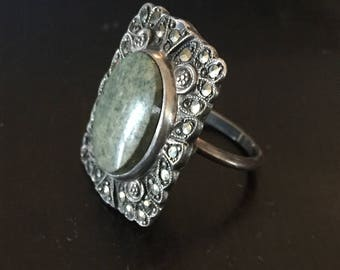 Agate & Marcasites Silver Metal OpeningCompartment Ring - Size 6 - Circa 1960s
