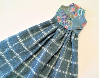 Blue Kitchen Towel, Hanging Towel, Blue Floral, Button Top Towel, Hostess Gift, Blue Kitchen Decor, Kitchen Tea Towel, Hand Towel, Oven Door