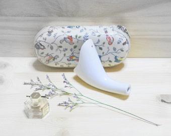 Weepee Porcelain - An elegant female portable urinal
