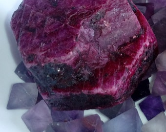 Huge Two crystal growing together RARE find Record keeper ruby 418 carats double slice... Twin crystal natural ruby