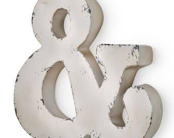 Letter & Antique ivory-colored metal 30X5X30 cm