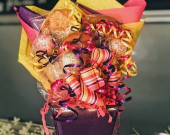Cookie & Cake Pop Small Tin Bouquet
